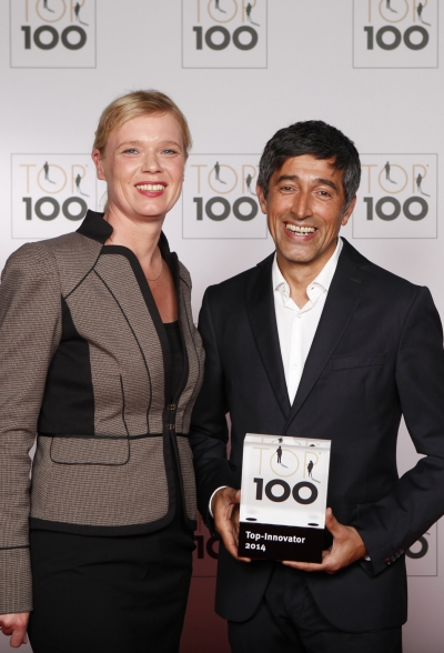 """Britta Milde und Ranga Yogeshwar, Mentor von """"Top 100"""" bei der Preisverleihung"""